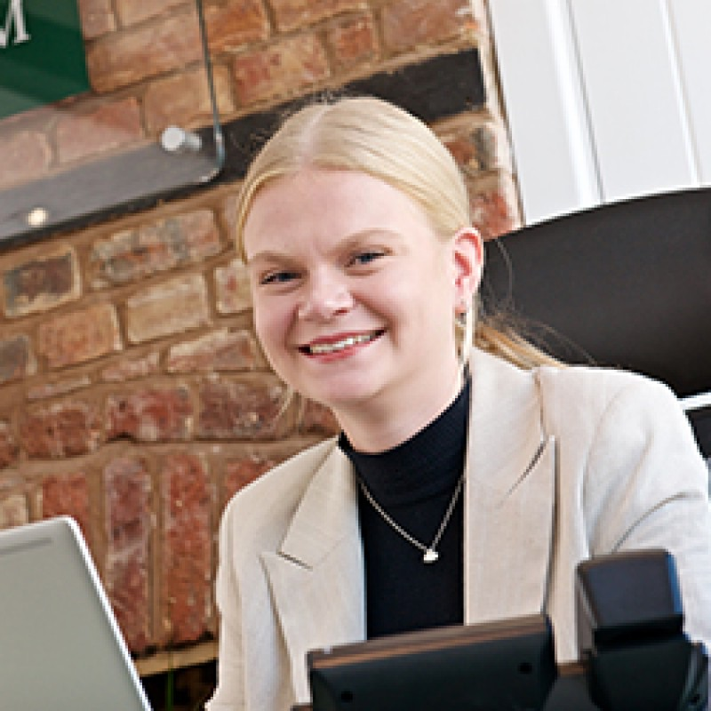 Heidi Linnell - Junior Sales & Lettings Negotiator