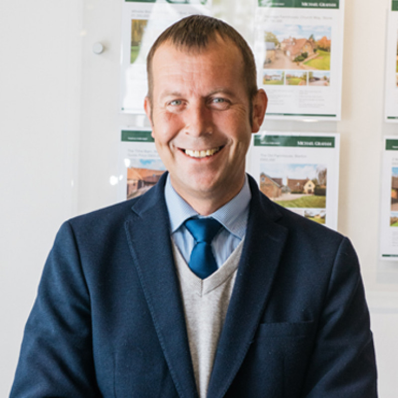 Lee Barry - Senior Sales and Lettings Negotiator