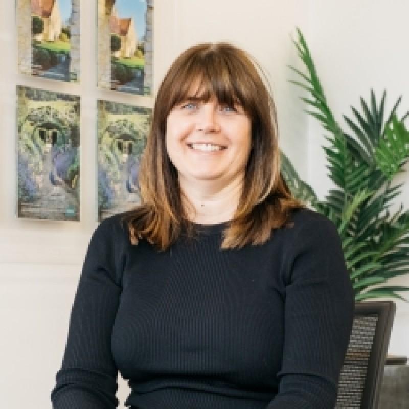 Liz Banks - Administrator